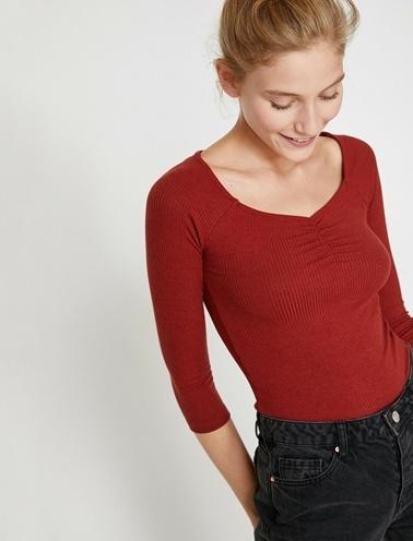 Koton Oyuk Yaka T-Shirt Kırmızı
